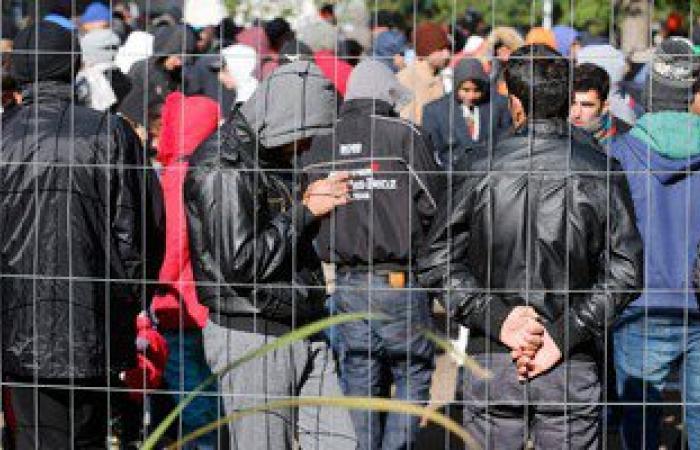 رئيس الحكومة الفرنسية: الاتحاد الأوروبى غير قادر على استقبال المهاجرين
