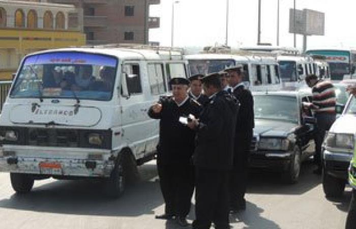 """""""مرور الجيزة"""" يضبط 4 آلاف مخالفة متنوعة ويحجز 28 """"توك توك"""" مخالف"""