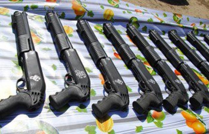 """ضبط 42 """"سلاح نارى"""" 534  أسلحة بيضاء و34 هاربا من أحكام ببورسعيد"""