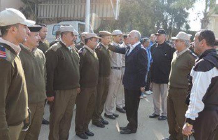 بالصور.. مدير أمن دمياط يتفقد معسكر قوات الأمن للاطمئنان على المجندين
