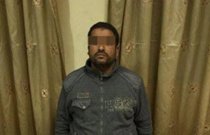 """ضبط عامل بصيدلية يروج العقاقير المخدرة بدون علم صاحبة """"الأجزخانة"""" بالشرقية"""