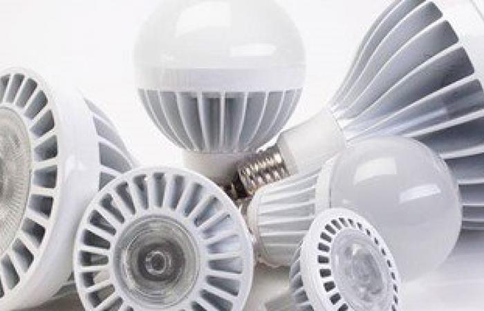 """""""الكهرباء"""": تركيب 5 ملايين لمبة ليد من 12 مليون استلمتها شركات التوزيع"""