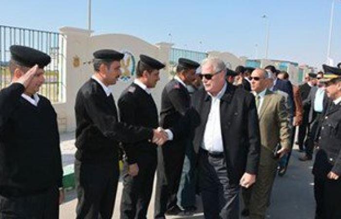 بالصور.. محافظ جنوب سيناء يتفقد مقر قوات الأمن ويهنئهم بالمولد النبوى