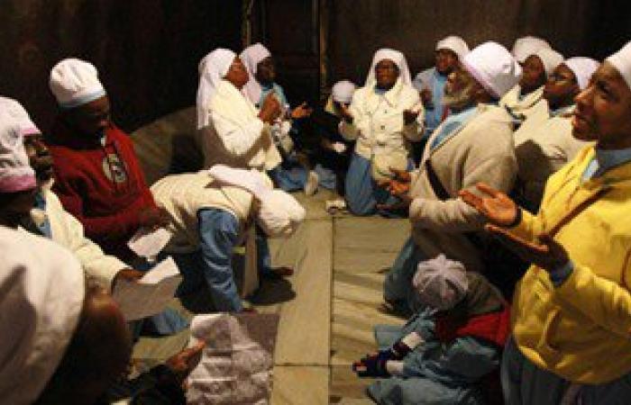 بالصور.. بدء احتفالات بيت لحم بتوافد المصلين والحجاج على كنيسة المهد