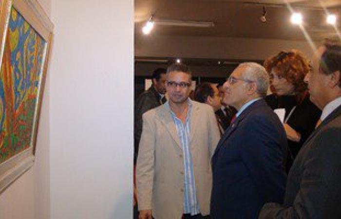"""رئيس جامعة المنيا يفتتح معرض""""المعنى بين الكلمة واللون""""لـ""""سمير عبد الفضيل"""""""