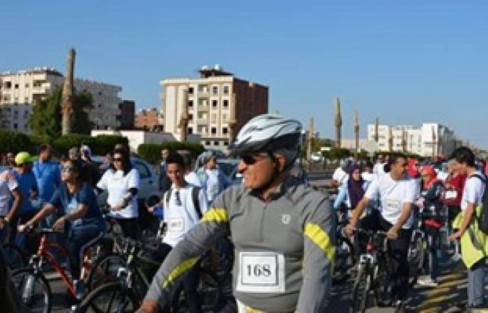 بالصور.. انطلاق ماراثون الدراجات الأول بالغردقة بمشاركة 200 متسابق