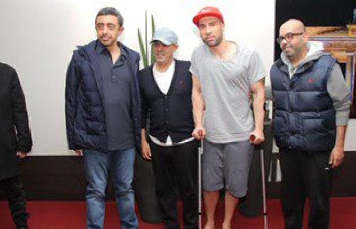 عبد الله بن زايد يطمئن على جنود الإمارات المصابين أثناء علاجهم ببرلين