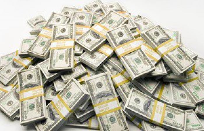 ضبط9ملايين جنيه و358ألف دولار بحوزة موظف سرقها من شركة نقل أموال بالإسكندرية