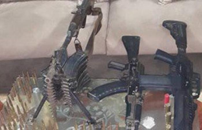 القبض على 4 عاطلين لاتهامه بحيازة أسلحة نارية بمنطقة المطرية