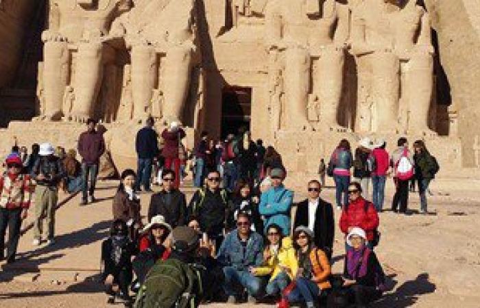 رئيس غرفة شركات السياحة بأسوان: 800 سائح يزورون معبد أبوسمبل اليوم