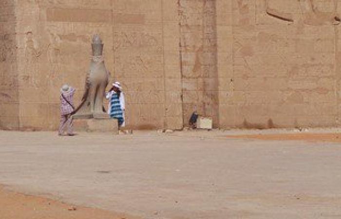 أصحاب الحناطير بإدفو يحتكرون عملية نقل السياح داخل المدينة