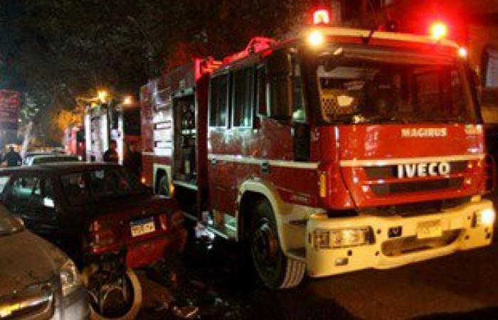 الحماية المدنية تسيطر على حريق شب بمعرض للموبيليا فى سوهاج