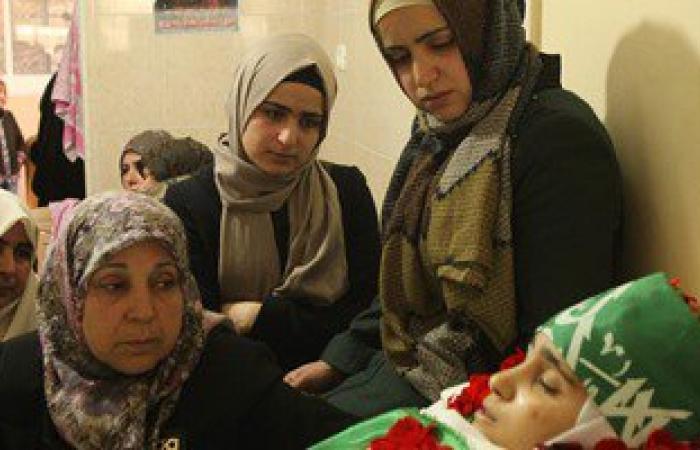 بالصور: تشييع جثمان المراهقة الفلسطينية كلزار العويرى