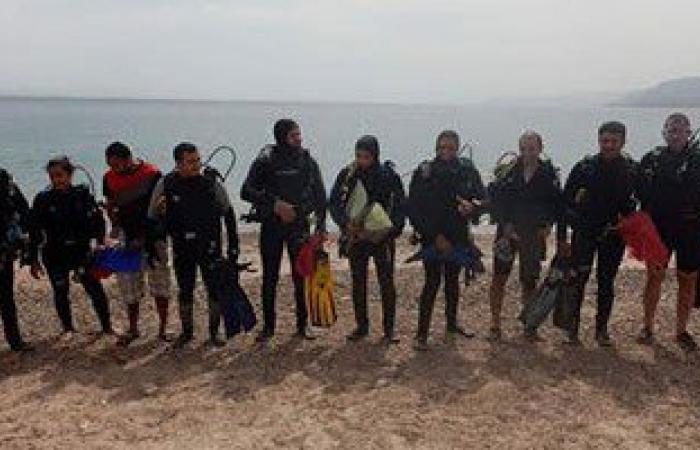 حملة نظافة تحت الماء لمواقع الغوص فى طابا ونويبع