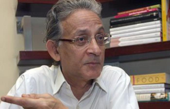 """عبد الله السناوى: السيسى قال """"مؤسسات البلد خربانة ومبارك جاب مصر الأرض"""""""
