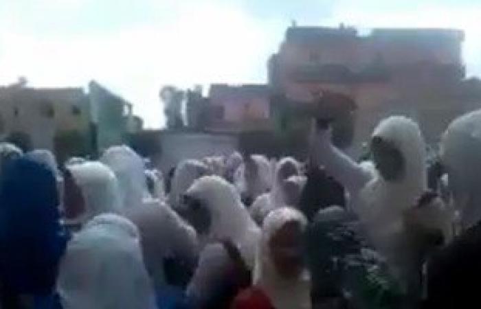 بالفيديو..طالبات مدرسة يرقصن على موسيقى المهرجانات بعيد الأم فى كفر الشيخ