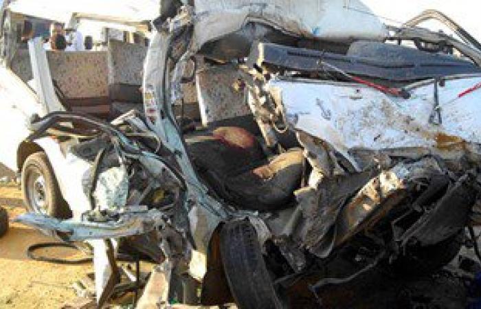 مصرع سيدة وإصابة 5 فى تصادم سيارتين على طريق أسيوط سوهاج الزراعى