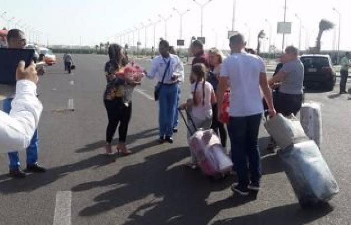 بالصور.. وصول 501 سائح أوكرانى مطار الغردقة على متن 3 رحلات شارتر