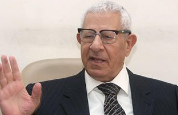 مكرم محمد أحمد: رئيس الوزراء أكد للكتاب أن الحكومة تبحث تعويم الجنيه