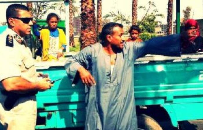 بالصور.. مرور قنا يشن حملات على توسيكلات وسيارات نقل طلاب المدارس