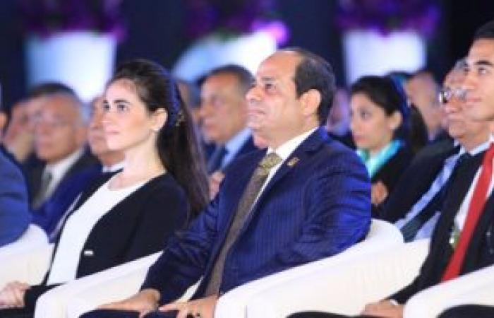 إبراهيم عيسى يقاطع متحدثا بمؤتمر الشباب.. والسيسى:بتتكلموا عن توعية الناس