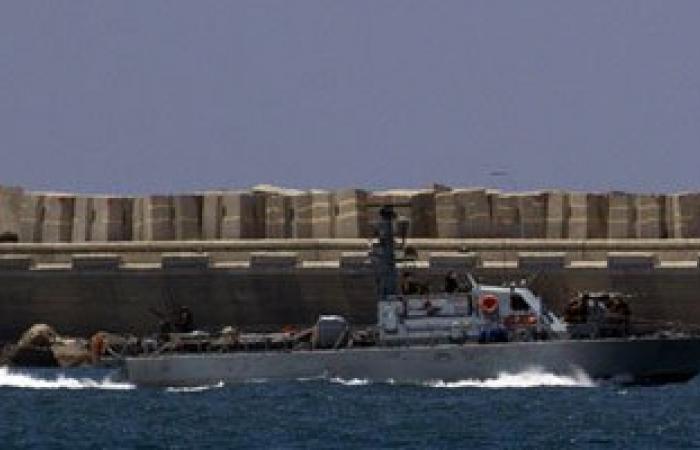 زوارق تابعة للاحتلال الإسرائيلى تهاجم مراكب الصيادين قبالة بحر غزة