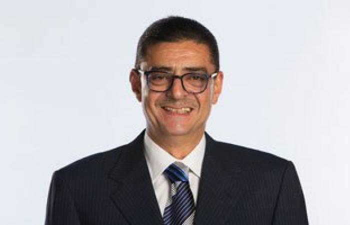 محمود طاهر يدعم الأهلي أمام الإنتاج من مقصورة السلام