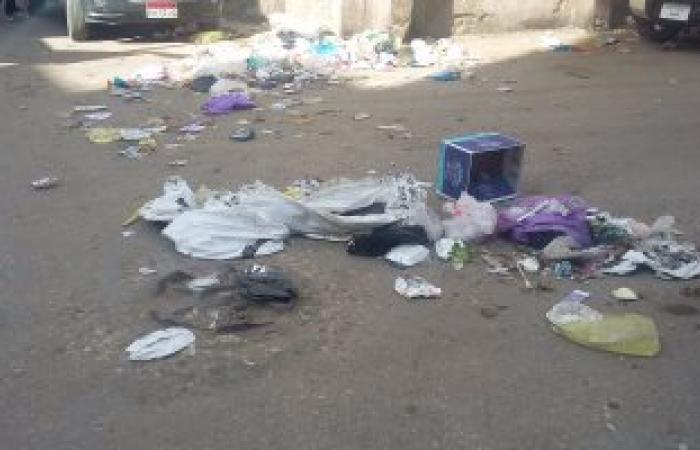 بالصور.. سكان ميدان سرور بدمياط يشتكون من تراكمات القمامة