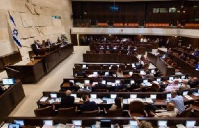 نائب بالكنيست: يجب تقيد إسرائيل باحكام القانون الدولى بشأن شرعنة الاستيطان
