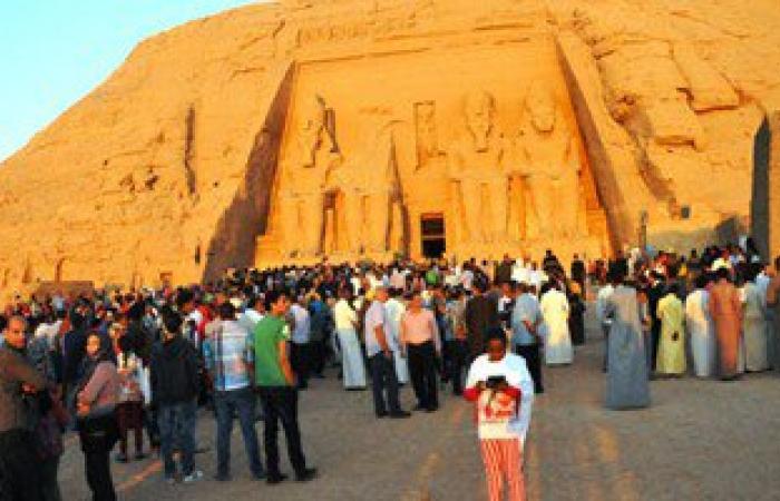 مدير أبوسمبل: المعبد استقبل 50 سائحا رغم قطع الطريق البرى