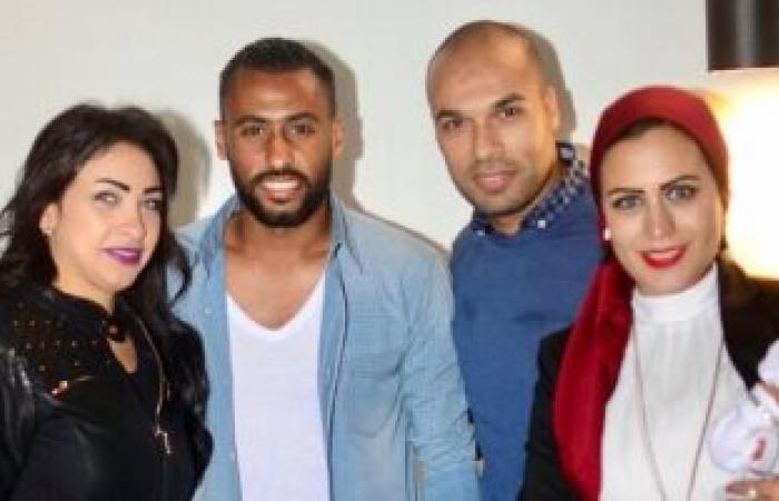 حسام عاشور وزوجته يحضران عقيقة ابنة لاعب الأهلى السابق