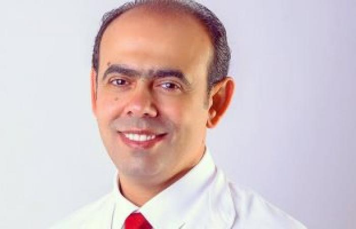 ما تهملهاش كتير.. أستاذ طب أسنان يوضح المشاكل الناتجة عن التهاب اللثة