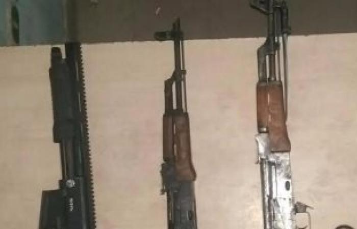 ضبط عاطل بالدقهلية وبحوزته سلاح نارى مسروق من مركز شرطة رشيد بكفر الشيخ