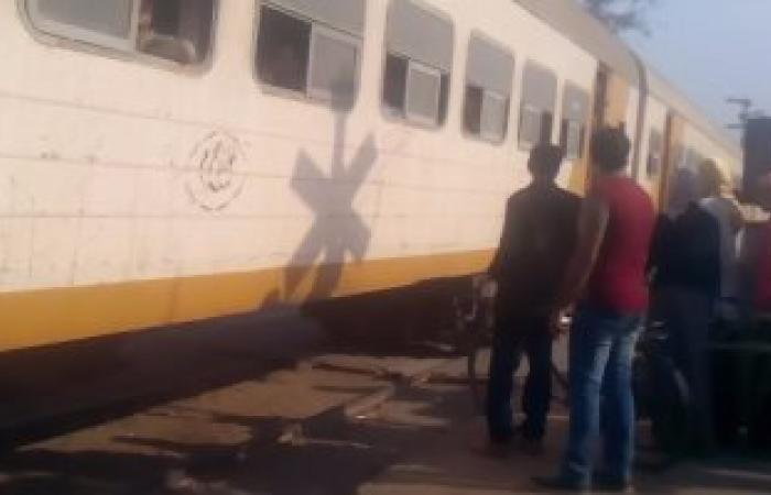 تعطل قطار الزقازيق طنطا بعد سقوط نخلة على القضبان بسبب الطقس السيئ