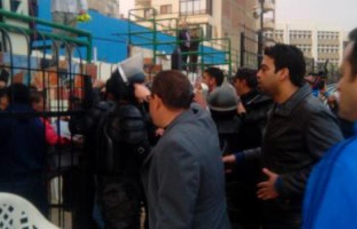 اشتباكات بين خالد عيد وحكم مباراة طنطا وطلائع الجيش