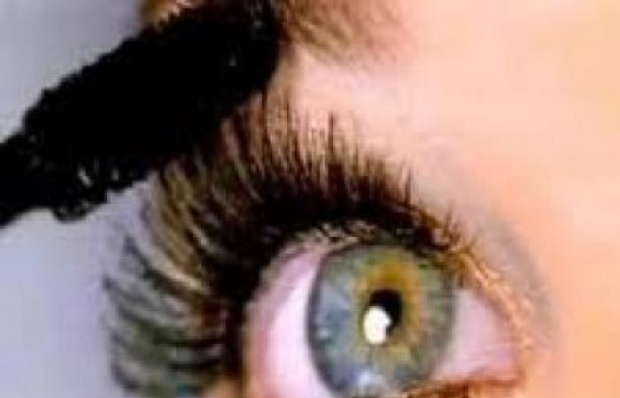 وصفة لجعل العين تلمع فى الظلام مثل عيون القطط