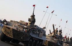 """التلفزيون القطري: الجيش تحرك نحو السعودية لدرء """"الخطر المحدق"""" (فيديو)"""