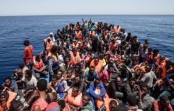 """""""الهجرة الدولية"""" تعلن غرق قارب مهاجرين قرب السواحل الليبية"""