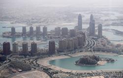 """""""قطر تتلقى صدمة جديدة""""... دول خليجية تستضيف المونديال في هذه الحالة"""