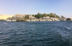 """""""الآثار المصرية"""" تعلن اكتشاف 6 مقابر من عصر الدولة القديمة في أسوان"""