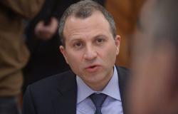 وزير الخارجية اللبناني إلى سوريا قريبا