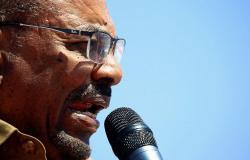 البشير يستدعي ولاة السودان لاجتماع طارئ ويعلن تعديلات واسعة النطاق