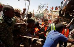 """عسكري سوداني يكشف أسباب فض مظاهرة """"نيالا"""" بالغاز والرصاص"""