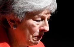شاهد.. دموع تيريزا ماى أثناء إعلان استقالتها من رئاسة الحكومة البريطانية