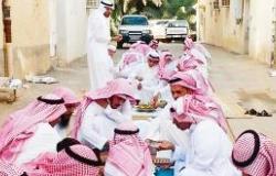 عيد الحريق يبدأ بالسلام وتبادل الجلوس في موائد الطعام