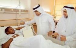 المستشفيات تشارك المرضى فرحة العيد بالهدايا والورود