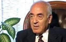 رئيس الوزراء الأسبق: الانفتاح الاقتصادى كان للمستثمرين وليس للمضاربين