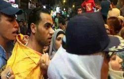 بالفيديو.. عقيد شرطة نسائية تلقن متحرش علقه ساخنة بسينما مترو