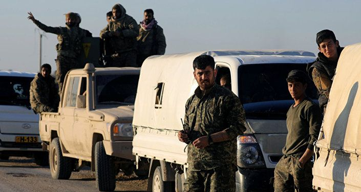 مقاتلون من قوات سوريا الديمقراطية في الباغوز بسوريا