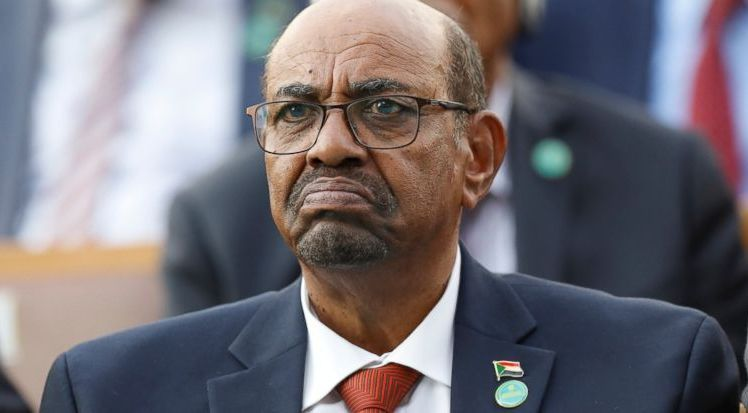 بعد 30 عاما.. الجيش السوداني يُطيح بالبشير.. أسرار وكواليس ...